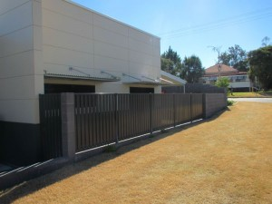Commercial panel fence